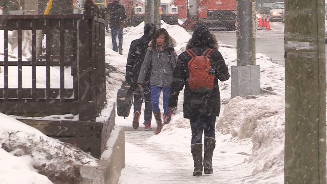 walking sidewalk canada