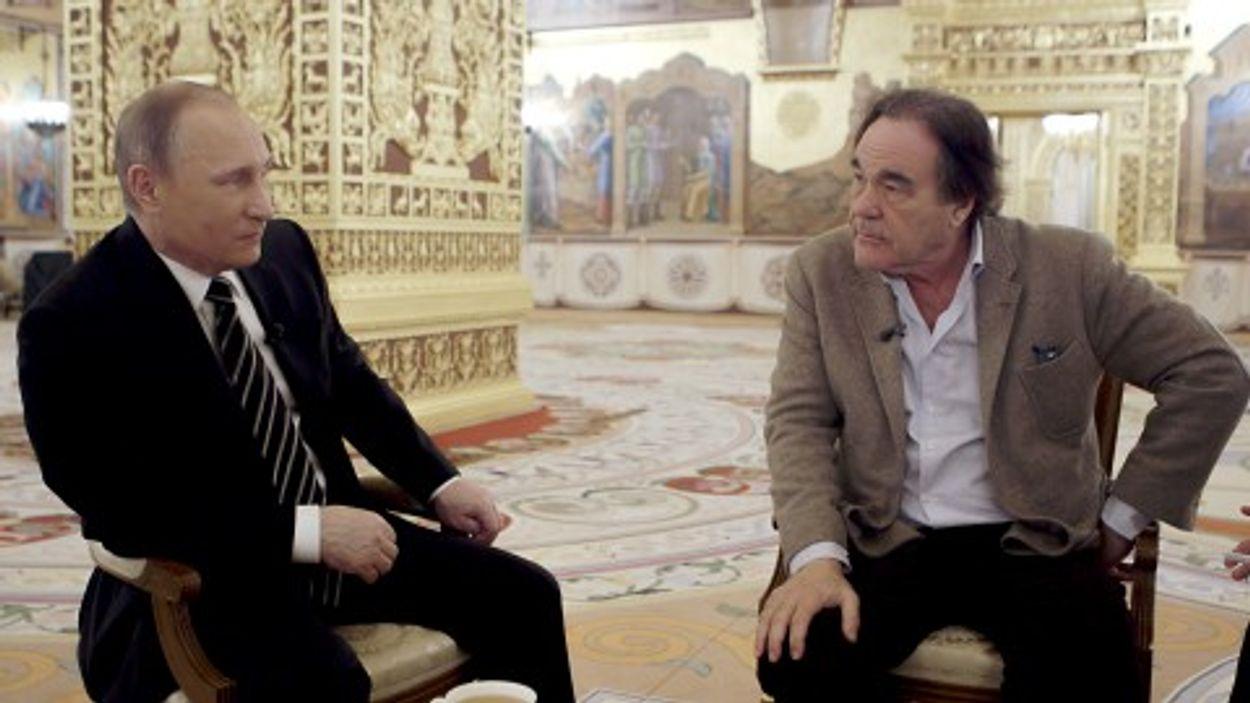 Afbeelding van Oliver Stone interviewt Poetin: 'propaganda', 'flatteus', 'ongemakkelijk'