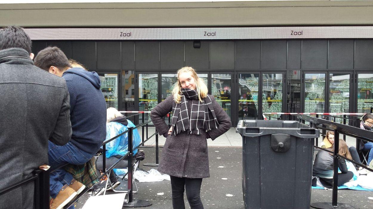 Afbeelding van Vanaf 7 uur 's ochtends in de rij staan voor John Mayer. Wie doet nou zoiets?