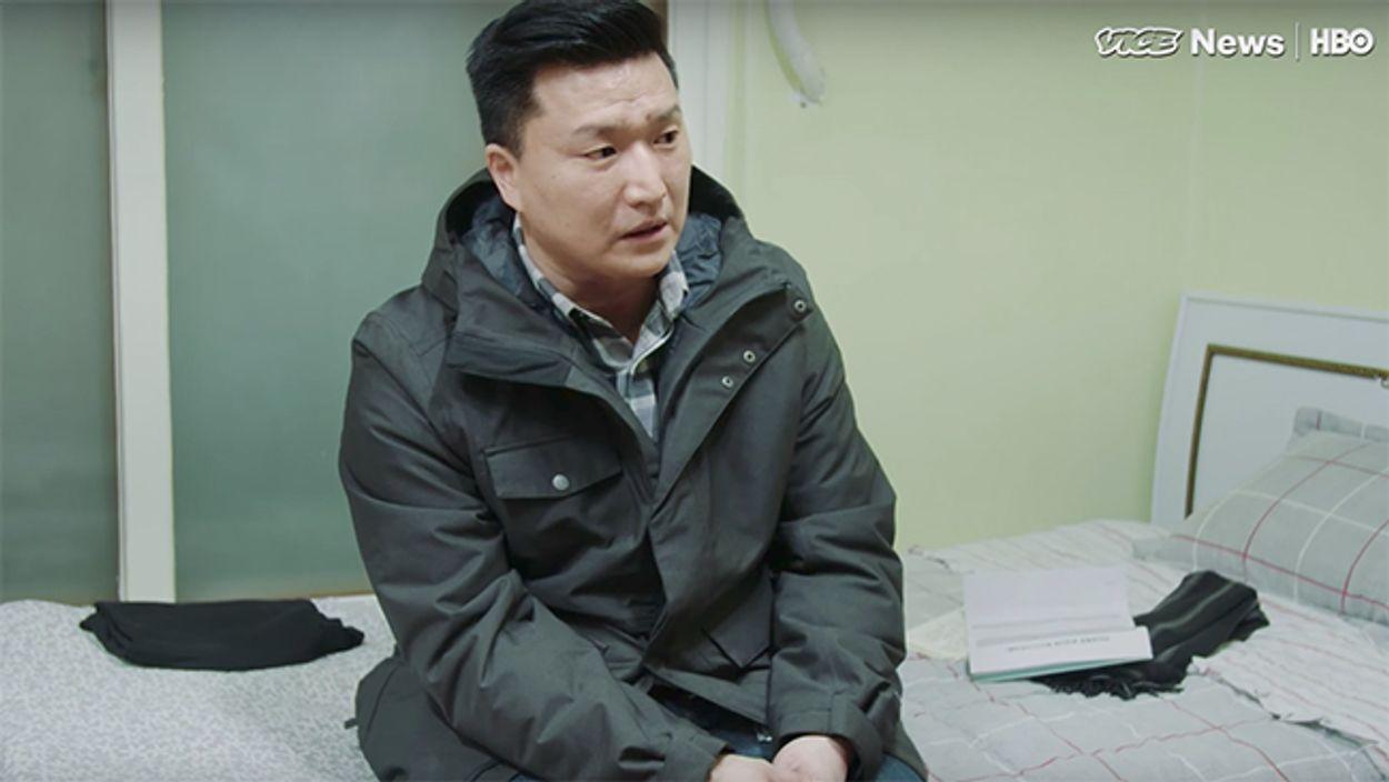 Afbeelding van Adam (41) was Amerikaan en werd toen plots gedeporteerd naar Zuid-Korea