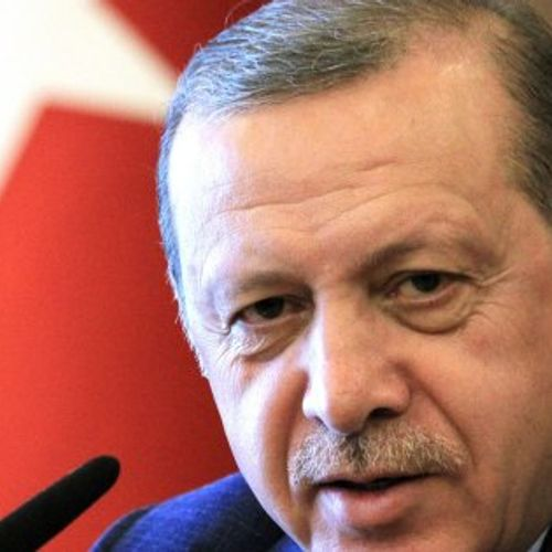 Afbeelding van Turkse lira krabbelt licht op; Erdogan kondigt boycot Amerikaanse elektronica aan