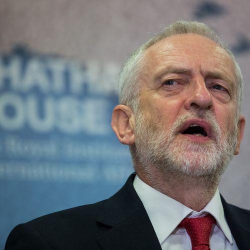 Afbeelding van Druk op Theresa May wordt opgevoerd: 'VK moet in douane-unie blijven'